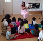 Story time for baby class