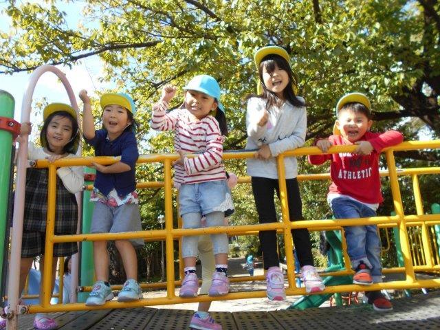 5才児公園で